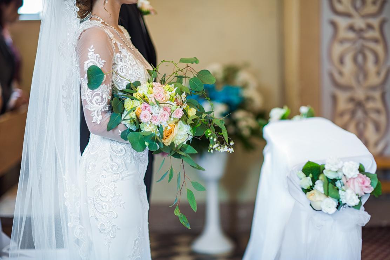 fotografia bukietu ślubnego oraz wystroju kościoła - Jasło