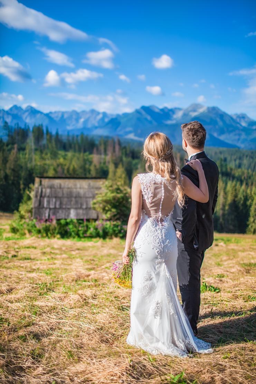 górska ślubna sesja fotograficzna nad słowackim jeziorem