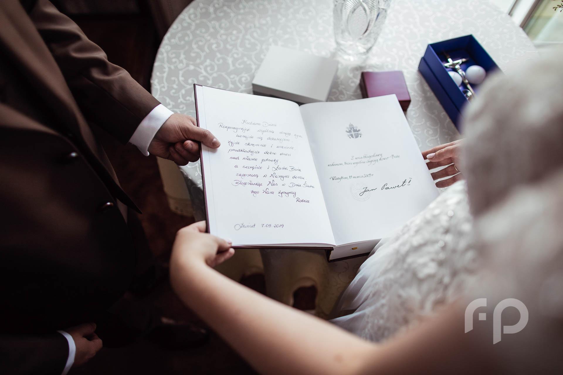 Pismo Święte z autografem Jana Pawła II