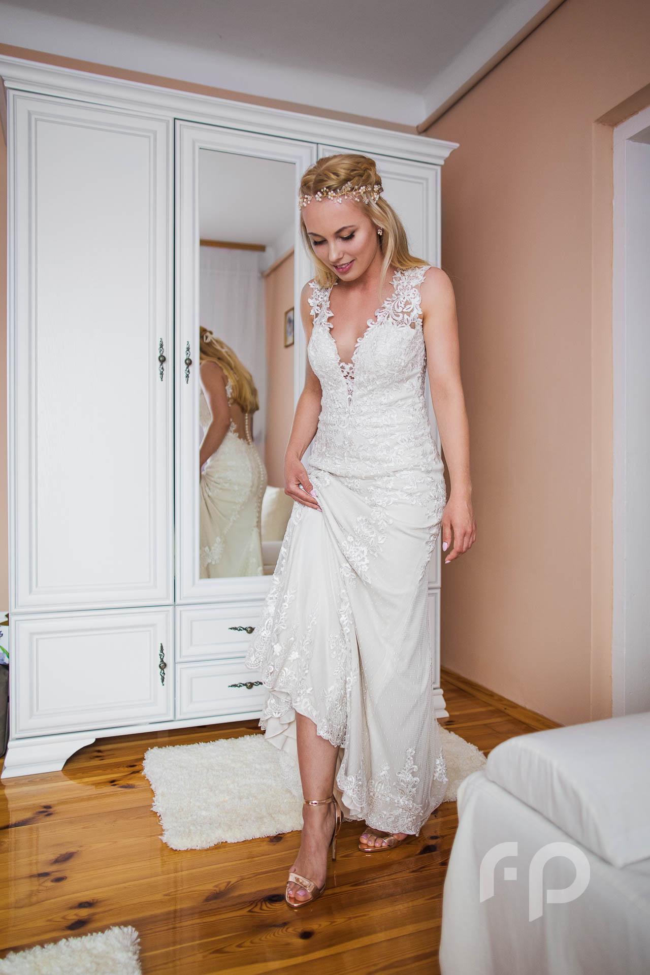 przygotowania ślubne u panny młodej w starachowicach fotografia i film ślubny