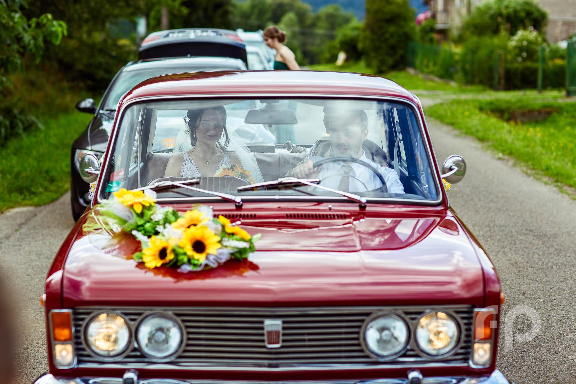 samochód do ślubu fiat 125p