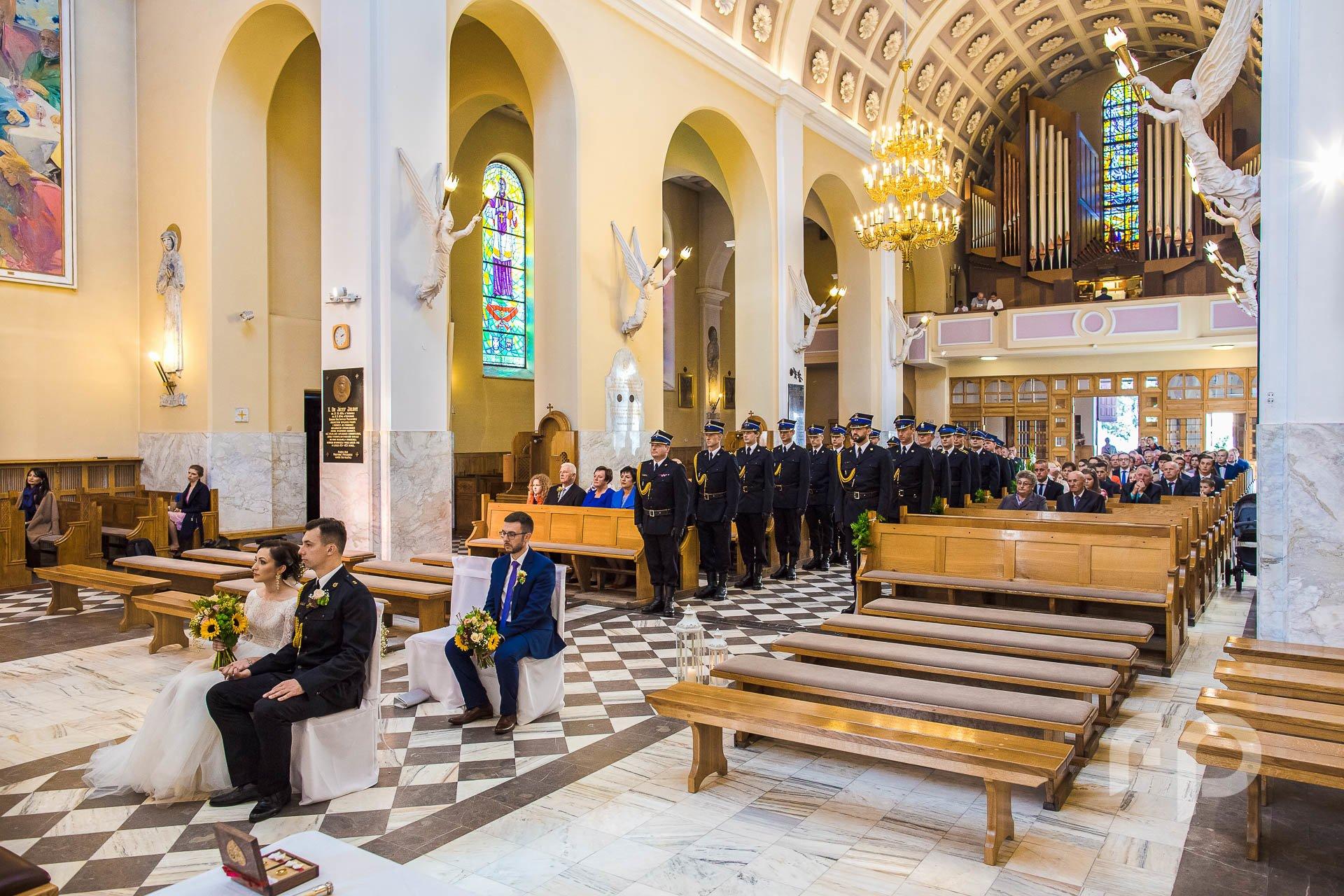 fotografia ślubu w kościele
