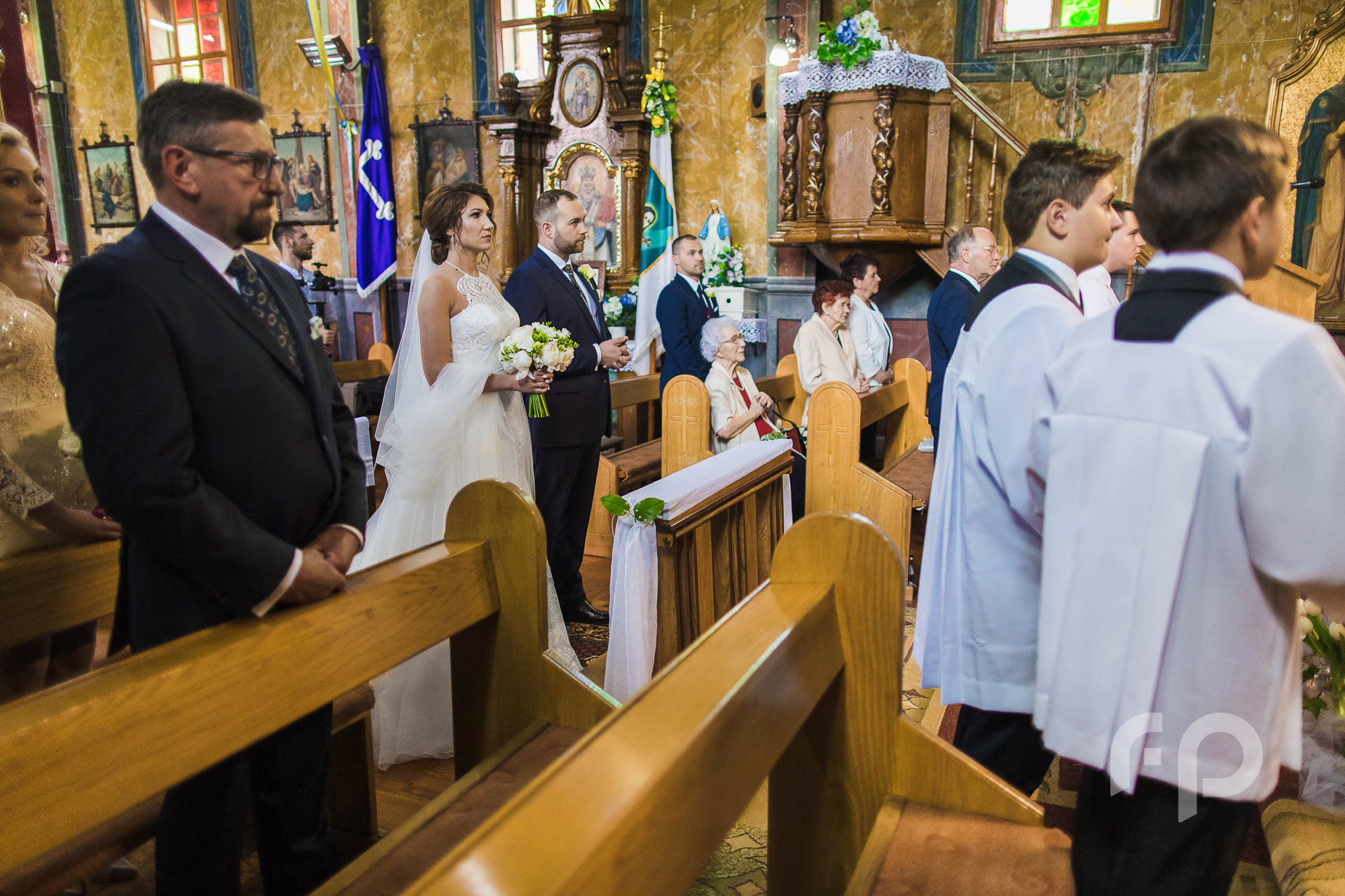 ślub w kościele w Lalinie