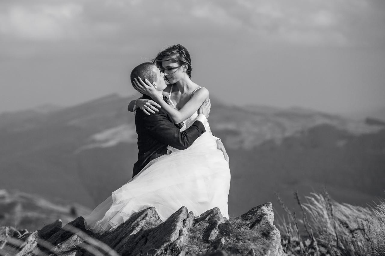 czarno białe zdjęcie ślubne Kasi i Emila