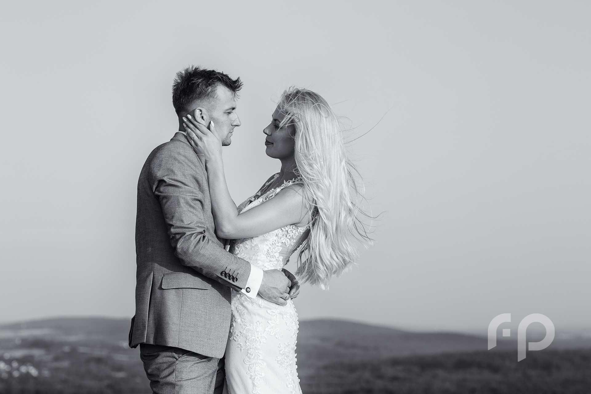 czarno biała fotografia ślubna