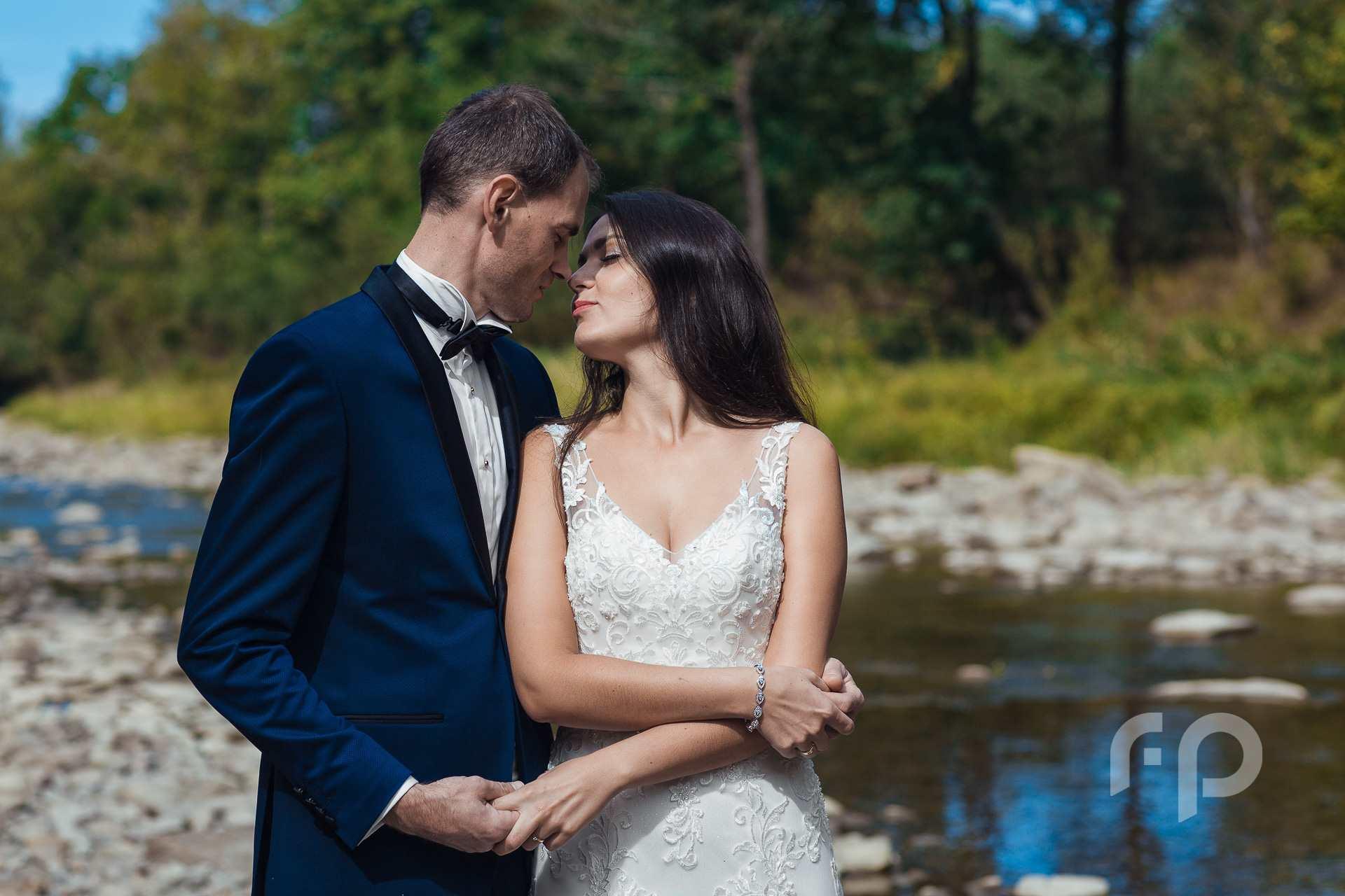 Bieszczadzka rzeka Wołosatka - plener ślubny