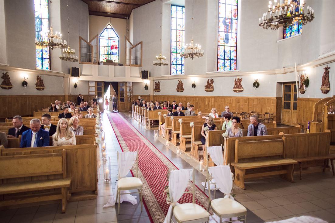 wnętrze kościoła NMP Królowej Polski w Starachowicach