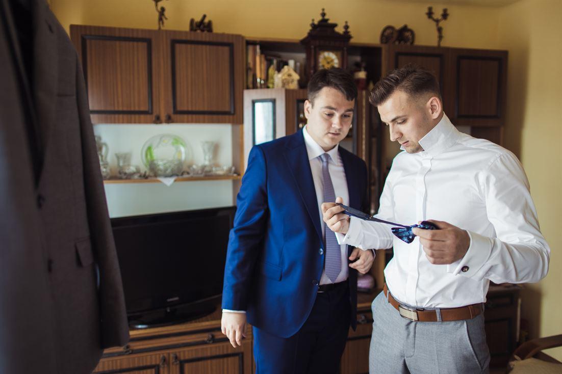 przygotowania ślubne u pana młodego w Starachowicach