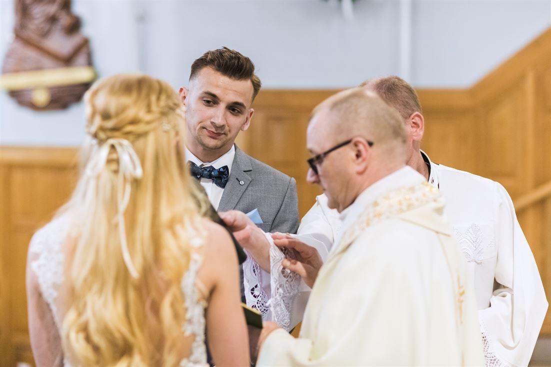 przysięga małżeńska podczas ślubu kościelnego