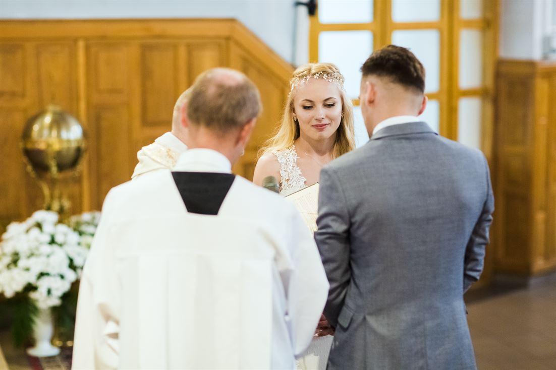 ceremonia zaślubin i niezwykłe emocje jej towarzyszące