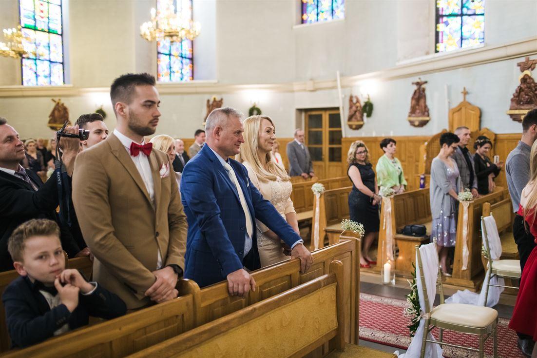 zachowanie gości podczas przysięgi małżeńskiej