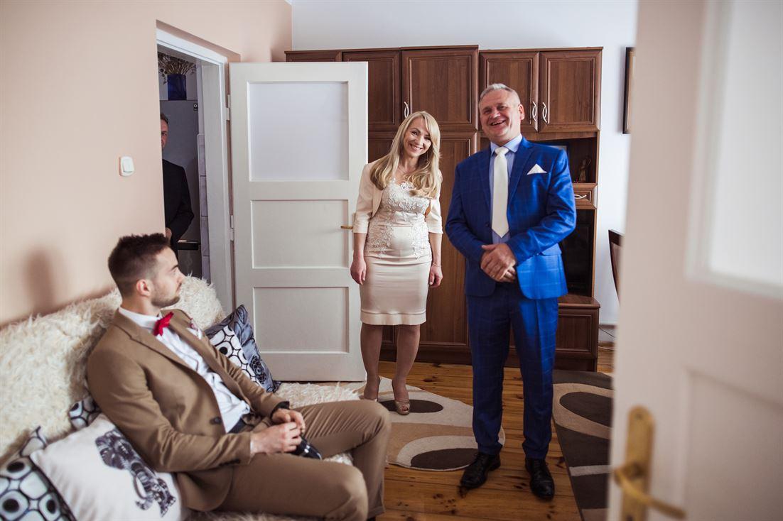 goście weselni w domu u Kasi