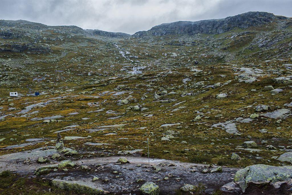 ulewna droga na plener w Norwegii