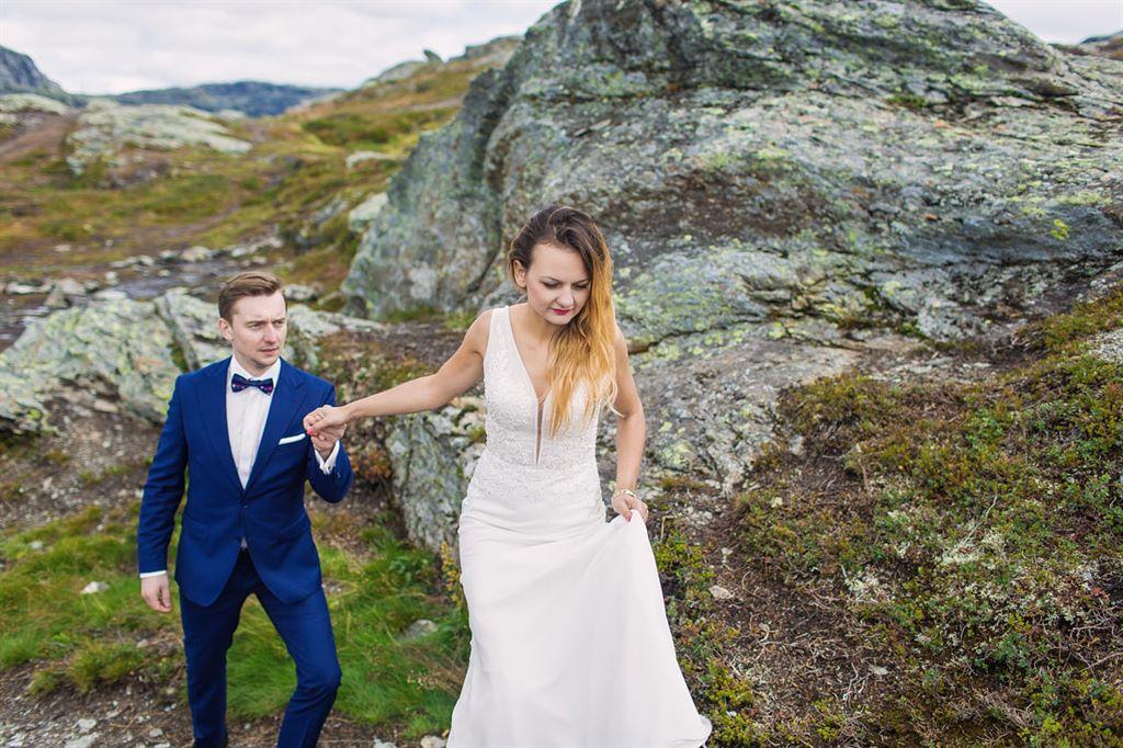 plener ślubny na Trolltunga w Norwegii