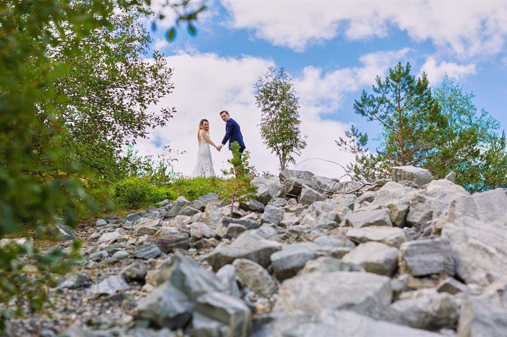 film ślubny na trolltunga w Norwegii