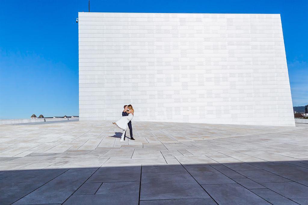 plener ślubny za granicą - Oslo Opera