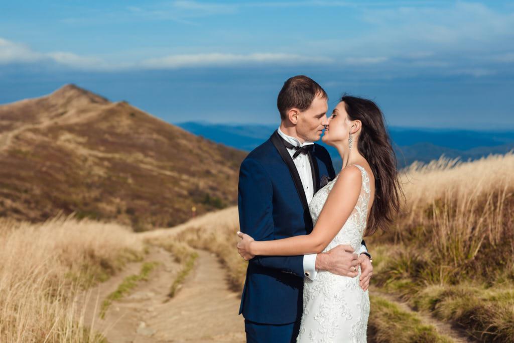 plenerowa sesja ślubna w Bieszczadach